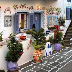 A dreamy house in Kythnos island Cyclades Greece Beautiful World, Beautiful Places, Beautiful Pictures, Earth Bag Homes, Ocean Pictures, Outdoor Restaurant, Unusual Homes, Photography Backdrops, Adventure Is Out There