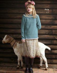 EmmaKnitted// Hand Knit Design