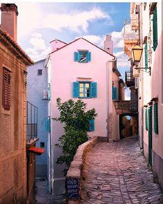 bring you to Vrbnik Croatia .  Photo by @dariovero_ . Tag us or use #travelshotba in your images . Follow:  @travelshot.ba @travelshot.eu . . . . . . . . . . #croatiafulloflife #crostagram #lovecroatia #visitcroatia #ig_croatia #hrvatska #instacroatia #croatia_photography #putopis #croatian #igerscroatia #croatiafullofmagic #zagreb #split #osijek #dubrovnik #karlovac #pula #rijeka #sisak #sibenik #croatiangirl #zadar #slavonija #Adventureculture#tourtheplanet #cro #balkan_hdr