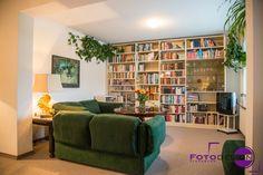 Das Wohnzimmer ist eines der wichtigsten Zimmer für den Verkauf, denn es ist ein Raum in dem die zukünftien Besitzer viel Zeit verbringen werden.