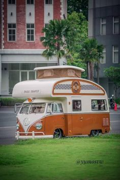VW Bus with a sweet teardrop roof camper conversion https://vwmylife.tumblr.com/