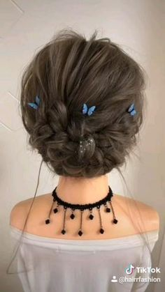 Hairdo For Long Hair, Bun Hairstyles For Long Hair, Medium Hair Styles, Short Hair Styles, Hair Updos For Medium Hair, Hair Upstyles, Hair Videos, Hair Looks, Hair Clips