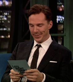 benedict cumberbatch (gif)////SO FUNNY CUTE AND JUST PLAIN GOOFY