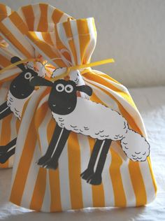 Little Design Cafe: Sofia's birthday Part 2 - Food, food, food and Shaun the Sheep.