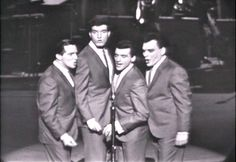 """The Four Seasons (Tommy DeVito, Bob Gaudio, Frankie Valli, and Nick Massi) on """"The Steve Allen Show"""" Peanuts, Bob Gaudio, Tommy Devito, Steve Allen, Frankie Valli, American Bandstand, Teen Photo, Jersey Boys, Pull Up"""