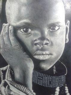 Africano feito com lapis preto e cinza.