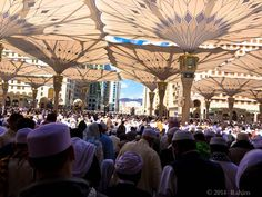 Beautiful & Busy #Madinah   Photo credit :- Hadith of the Day