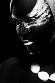 black/white contrast