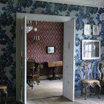 Tapeter i Damsgård hovedgård Wallpapers, Mirror, Furniture, Home Decor, Wallpaper, Mirrors, Home Furnishings, Interior Design, Home Interiors