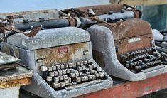 Photo by Lynn Jordan on Unsplash Typewriter, Hd Photos, Typewriters