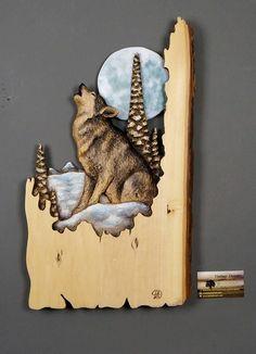 Loup Sculpté sur Bois Sculpture sur bois avec Écorce En