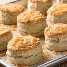 bakewell cream biscuits These tasty Maine-style biscuits are extra-tall and fluffy, and don't require buttermilk. Our thanks to the Bakewell Cream folks of Hampden, Maine for this recipe. Frozen Biscuits, Cream Biscuits, Cheese Biscuits, Sourdough Biscuits, Buttermilk Biscuits, Cheddar Cheese, Fluffy Biscuits, Crackers, Baking Powder Biscuits