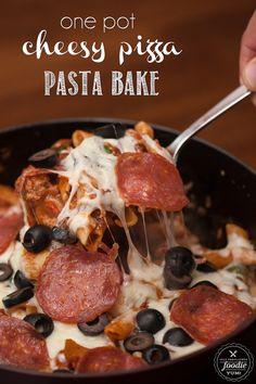 One Pot Cheesy Pizza Pasta Bake http://livedan330.com/2015/11/11/one-pot-cheesy-pizza-pasta-bake/