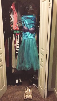 Little Mermaid DIY costume made from an old bra, spandex, tulle, and rhinestones #Halloween