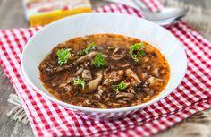 Polévka z hlívy ústřičné | MAGGI. Inspirace pro vaše každodenní vaření. Chili, Beef, Soups, Food, Kitchens, Meat, Chile, Essen, Soup