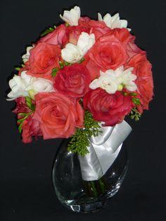 #flowerfusion #wedding #fowers #wedding #florist #bridal #bridesmaid #bouquet #roses #orange #red #green #white
