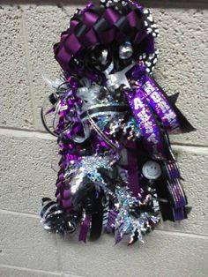 (81) Homecoming Mums & Garters - Football Spirit Items
