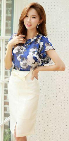 StyleOnme_Ribbon Belt Front Slit Pencil Skirt #white #elegant #feminine #ribbon #slit #pretty #koreanfashion #summer