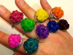 Rainbow Loom Round Bling Ring Tutorial by  feelinspiffy