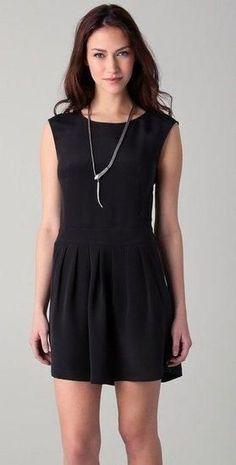 Vestidos básicos - http://vestidododia.com.br/vestidos-curtos/os-vestidos-que-deveriam-fazer-parte-de-qualquer-guarda-roupas/