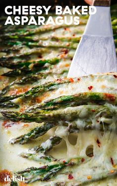 Cheesy Baked Asparagus 2 lb asparagus stalks trimmed 3 4 c heavy cream 3 cloves garlic minced Kosher salt Freshly ground black pepper 1 c freshly grated Parmesan 1 c shredded mozzarella 400 25 min Keto Side Dishes, Vegetable Side Dishes, Side Dish Recipes, Vegetable Recipes, Veggie Side, Cheesy Baked Asparagus Recipe, Recipes With Asparagus, Creamed Asparagus, Diet Recipes