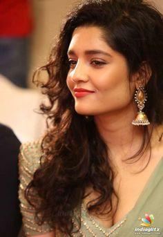 South Indian Actress Hot, Most Beautiful Indian Actress, South Actress, Hindi Actress, Tamil Actress Photos, Bollywood Actress, Indian Women Painting, Ritika Singh, Cute Girl Face
