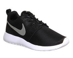 Nike Roshe Run Black Metallic White - Unisex Sports