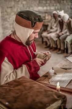 XIII th century clerck.