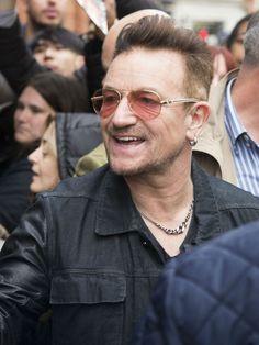 Bono révèle pourquoi il ne se sépare jamais de ses lunettes de soleil