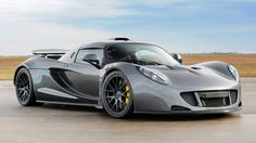 Hennessey Venom GT reached speeds of which is faster than the Bugatti Veyron Super Sport. Lotus Sports Car, Lotus Car, Lotus Elise, E90 Bmw, Hennessey Venom Gt, Car Headlights, Most Expensive Car, Car In The World, Super Sport