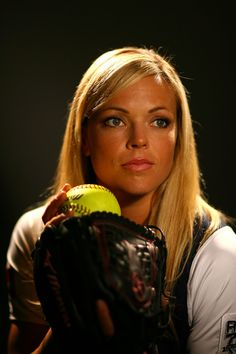Jennie Finch Photos - Softball player Jennie Finch poses for a portrait during the 2008 U. Olympic Team Media Summitt at the Palmer House Hilton on April 2008 in Chicago, Illinois. Softball Team Photos, Baseball Pictures, Softball Players, Girls Softball, Softball Stuff, Picture Poses, Photo Poses, Picture Ideas, Jennie Finch