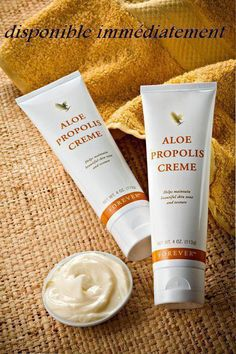 Excellent as a skin moisturizer and conditioner, Aloe Propolis Creme is a rich blend of stabilized Aloe Vera Gel and Bee Propolis, with other ingredients recognized for their contribution to healthy skin. Chamomile, one of nature's best-known skin care herbs, is also added to the mix. Vitamins