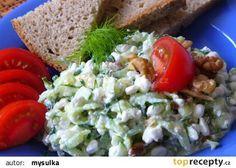 Okurkový salát s Cottage sýrem recept - TopRecepty.cz