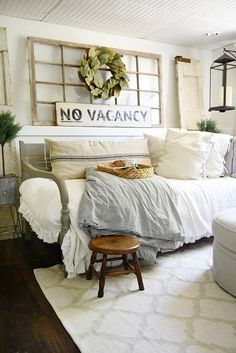 15 Daybed Designs Perfect for Seating and Lounging | Bedroom ...