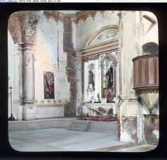 La iglesia de la misión de San Luis Rey de Francia en California,   por dentro