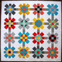 Labyrinth Quilt Pattern (PDF file) | A Red Pepper Quilts Patchwork Quilt Pattern