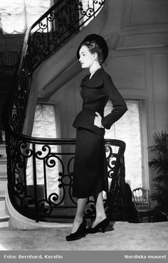 """As can be seen in the newsreel """"Amsterdam Fashion Week 1951"""", the wasp-like waist and full hips of Christian Dior's New Look also influenced fashion in The Netherlands. Christian Dior introduced the..."""
