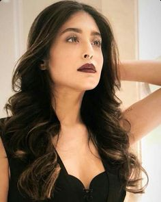 Image may contain: 1 person Kritika Kamra, Beauty Queens, Designers, Make Up, Celebs, Indian, Long Hair Styles, Image, Black