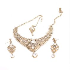 Bollywood Ethnic Indian Bridal Chokar Necklace Set with Dangle Earrings Maang Tika in White Stones