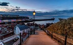 Whitby Northern England, Cn Tower, Yorkshire, Illustrations, Building, Places, Photos, Travel, Viajes