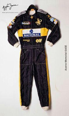 Senna - Macacão da Lotus _ 01 Formula One, Wetsuit, Fashion, Ayrton Senna, Motosport, Gloves, Brazil, Scuba Wetsuit, Moda