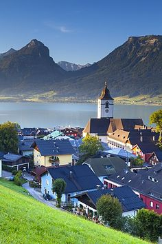 Elevated view over Parish Church and St. Wolfgang, Wolfgangsee lake, Flachgau, Salzburg, Austria.