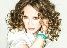 25/7: Γλυκερία, «Τραγούδια της αγάπης και της Μεσογείου» http://www.megaron.gr/default.asp?pid=5&la=1&evID=2126