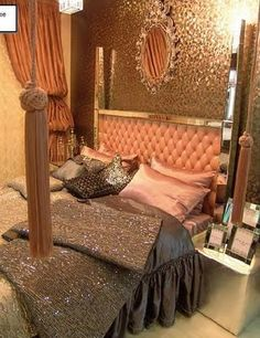 Glitter wall w/ vintage mirror. love