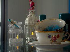 Detalhes, xícaras de porcelana relíquia de família.
