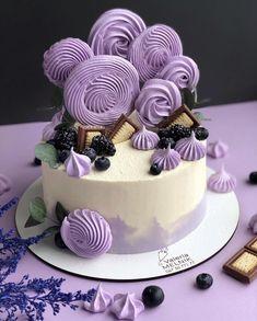 Автор Instagram.com/valeri_melnik Easy Cake Decorating, Cake Boss, Cute Cakes, Dessert Recipes, Desserts, Mini Cakes, Easy Meals, Food And Drink, Birthday Cake