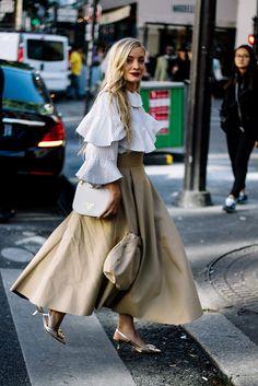Street Style Paris Fashion Week Primavera Verano 2017 | Galería de fotos 25 de 230 | VOGUE