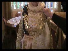 ΠΑΡΑΔΟΣΙΑΚΗ ΦΟΡΕΣΙΑ (1900-1910)-ΑΥΛΩΝΑΣ ΑΤΤΙΚΗΣ - YouTube Greek Traditional Dress, Greek Costumes, Greek Royalty, Ethnic Dress, Gold Embroidery, Albania, Hair Jewelry, Folklore, Greece