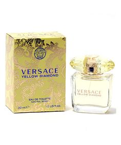 Versace Yellow Diamond is a fruity, floral scent. It opens with fruity pear, lemon and bergamot. A floral middle of mimose, water lily and freesia are in a sedu Christmas Gift Opening, Perfume Oils, Perfume Bottles, Amazing Grace Perfume, Versace Perfume, 1 Oz, Pure Products, Diamond, Yellow