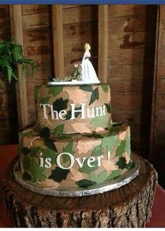 nice 74 Funny Wedding Cakes Ideas for Your Special Day http://lovellywedding.com/2017/09/28/74-funny-wedding-cakes-ideas-special-day/